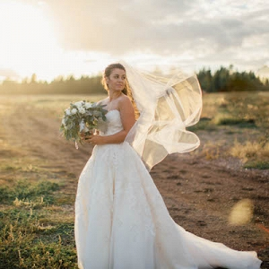 This Stunning Bride Did Her DIY Wedding RIGHT!