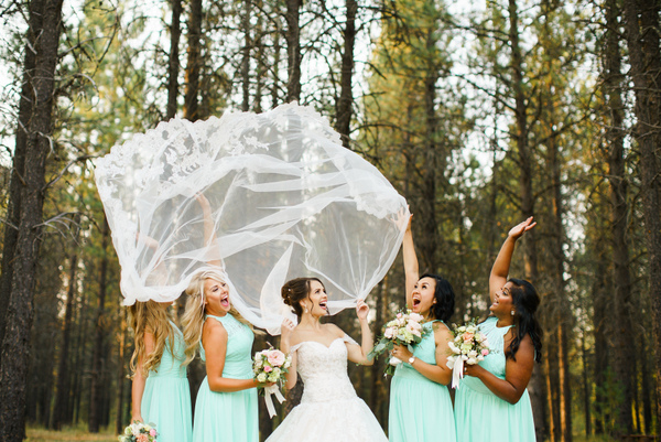 How Gorgeous is This Bride and Her Girls?!