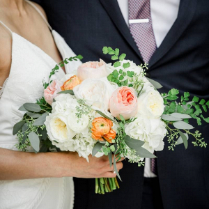 Peach and cream bridal bouquet