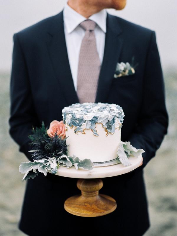 Small painted wedding cake