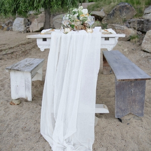 This Gorgeous Lakeside Tablescape is Perfectly Intimate