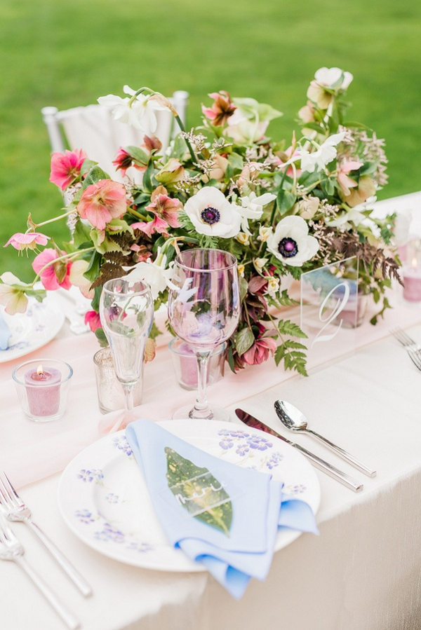 Pastel wedding tablescape
