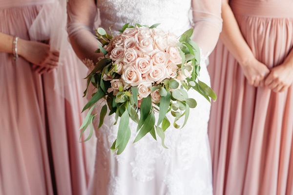 A Classic Bouquet is Always a Gorgeous Choice!