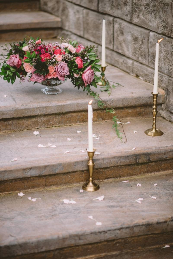 Romantic vintage wedding decor