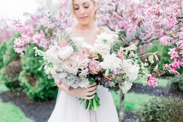 Lush white and blush bridal bouquet