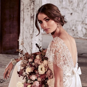 Flutter sleeve wedding dress
