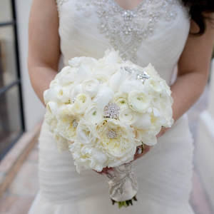Glam white bouquet