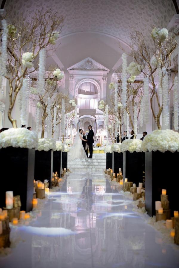 Glam black and white wedding ceremony
