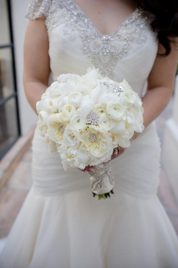 Glam white bouquet
