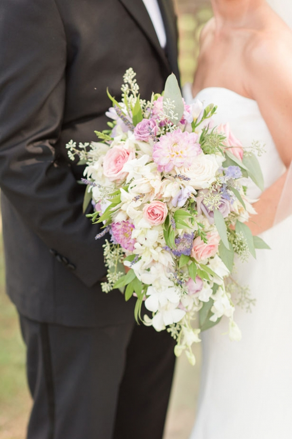 blush bridal bouquet on Belle the Magazine