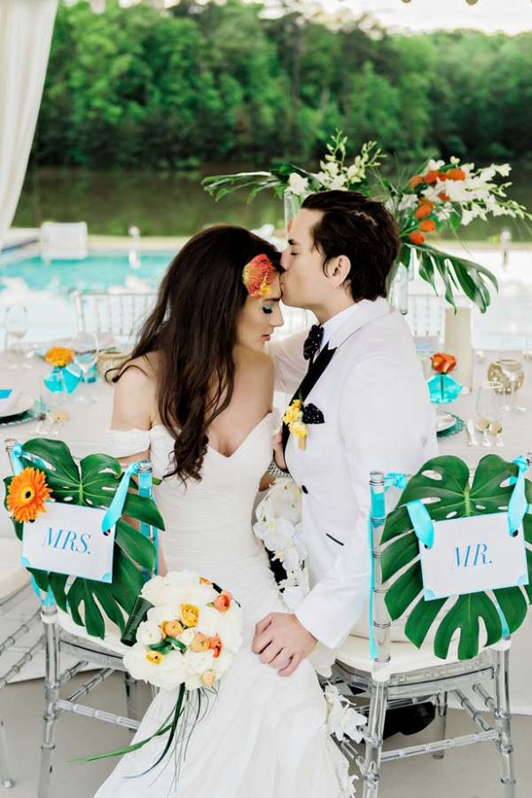 tropical poolside wedding on Belle the Magazine