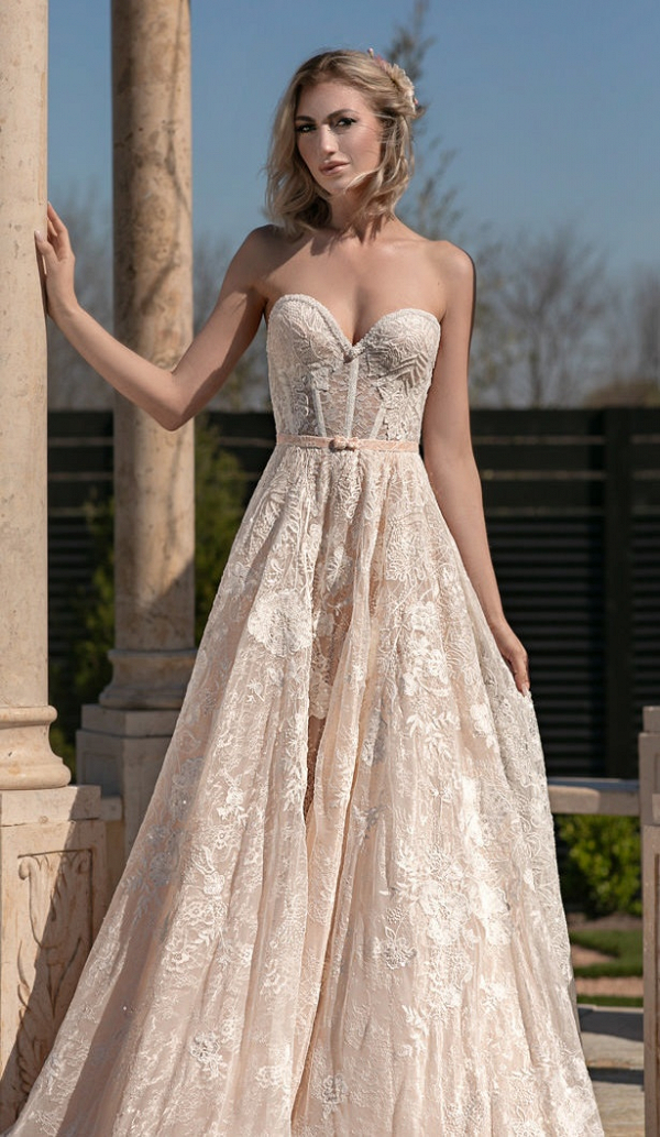 Sweetheart neckline lace wedding dress by Naama & Anat