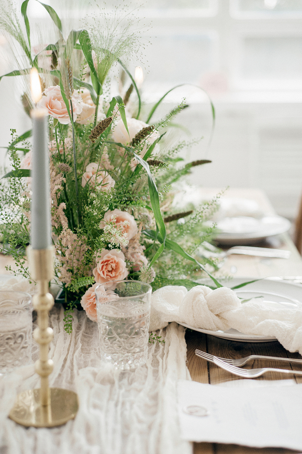 modern table setting with statement floral centrepiece