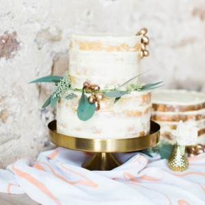 Fall inspired naked cake with foliage