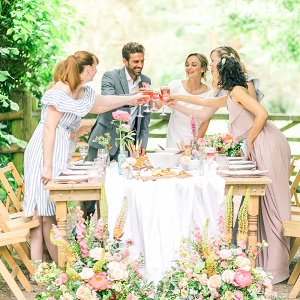 Relaxed garden wedding reception ideas with heaps of flowers!