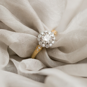 elegant diamond antique engagement ring