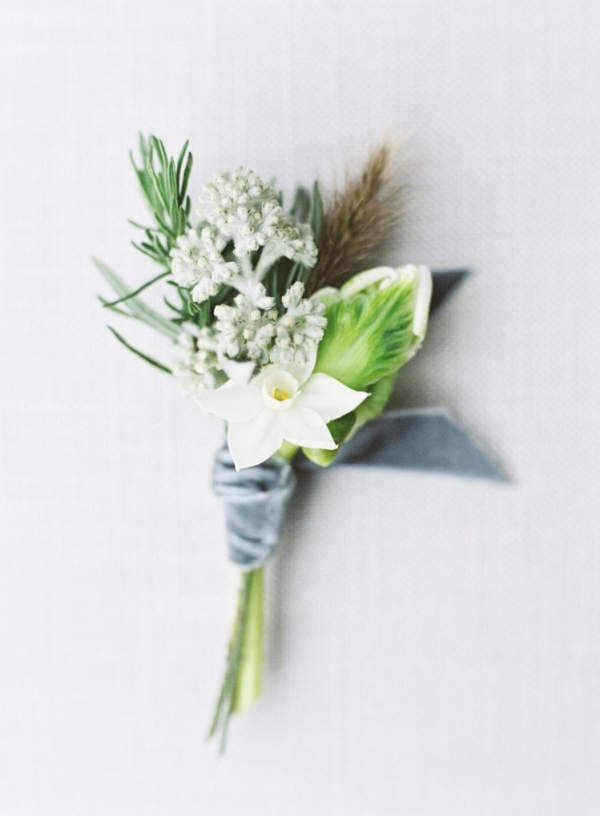 White winter wedding boutonniere with dusky blue velvet ribbons