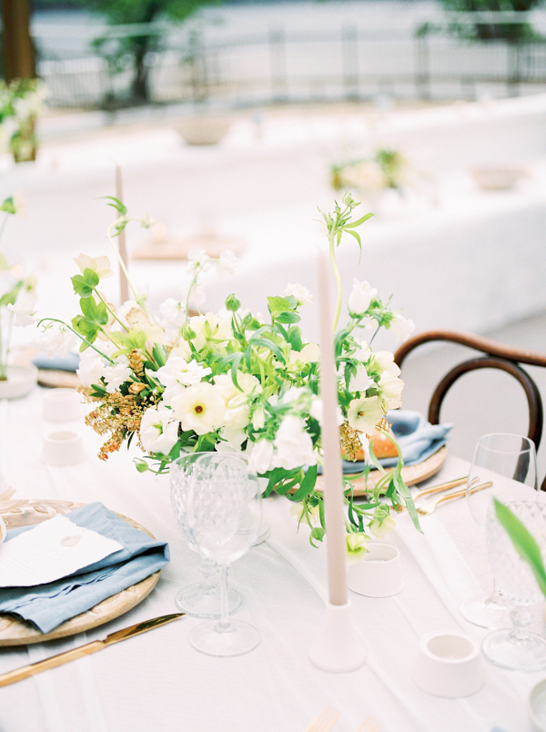 Contemporary meets rustic with this wedding table decor