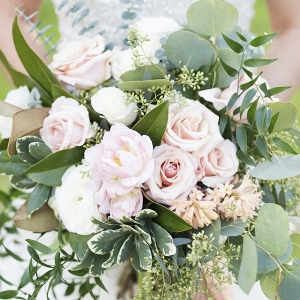 A Lush Bridal Bouquet in Peachy Pink