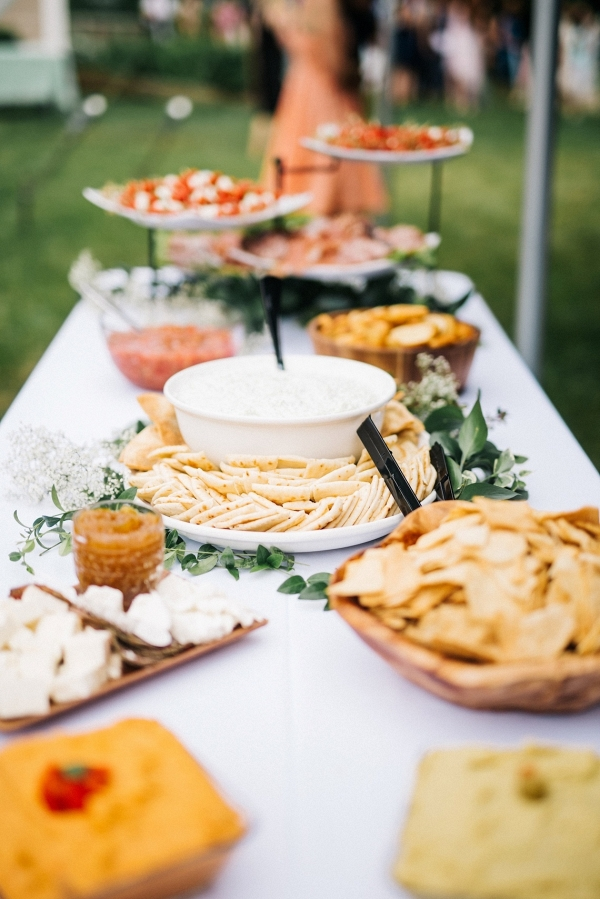 Buffet catering on Bridal Musings