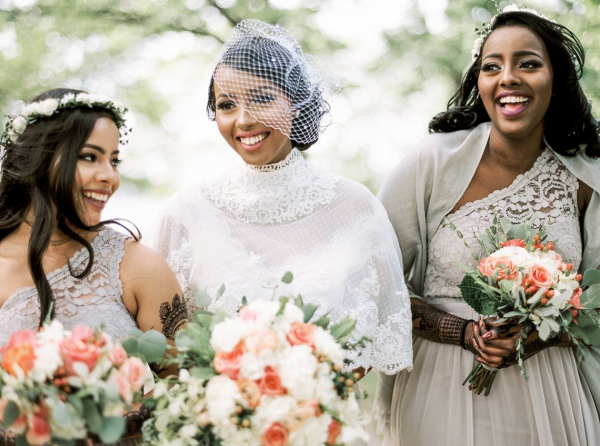 Bride with taupe bridesmaids