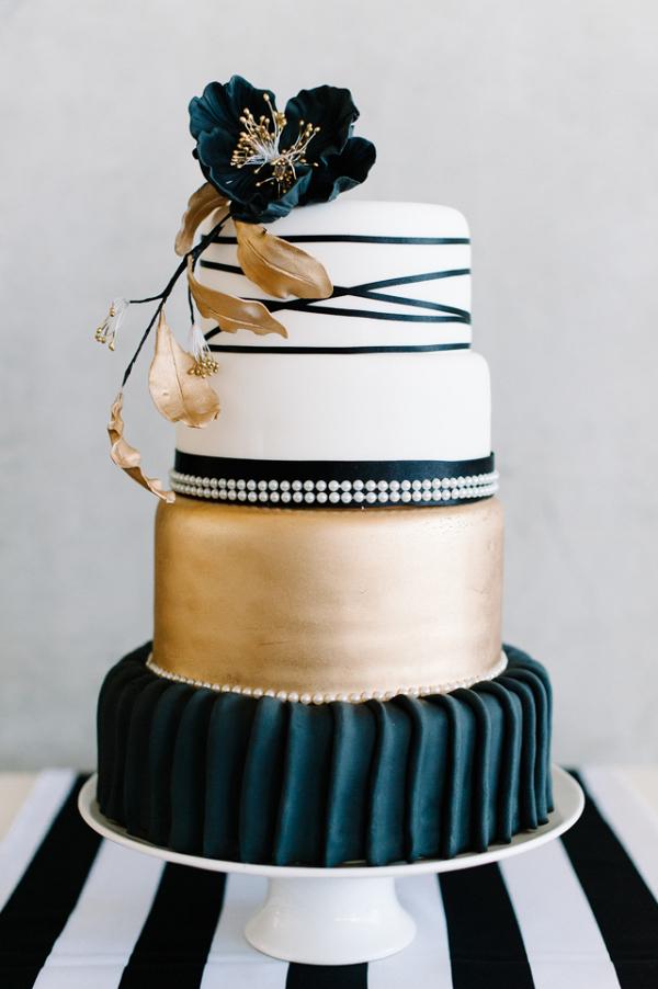 Black and gold wedding cake