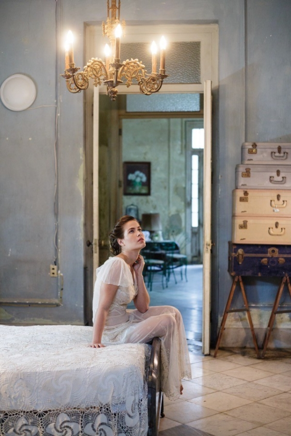 Bridal boudoir session in Havana, Cuba