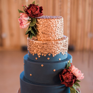 copper-navy-wedding-cake