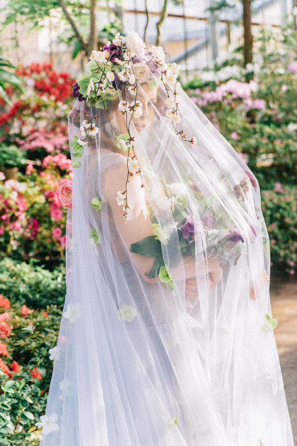 veil with flowers