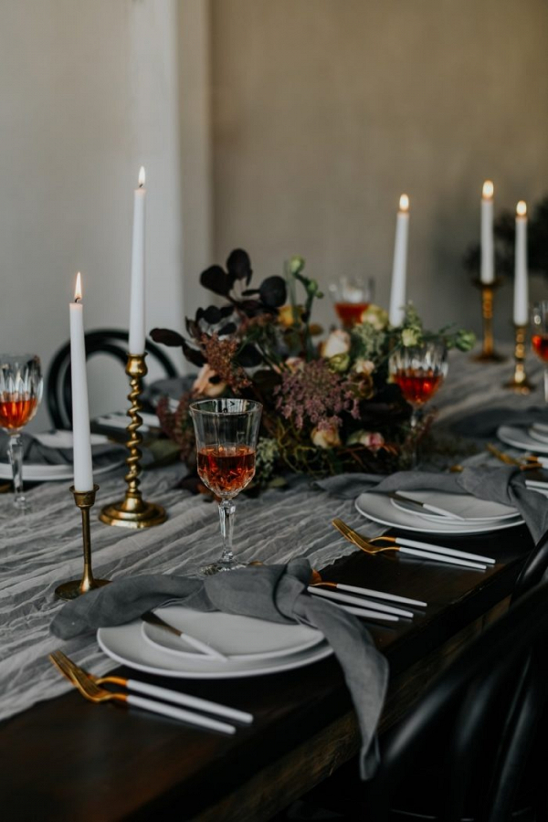 Gray, gold, and red wedding tablescape
