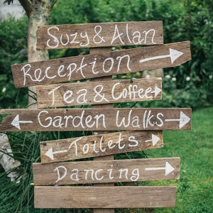 wood wedding signage on Chic Vintage Brides