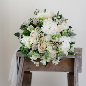 Bouquet Recipe - A Sweet Spring Bridal Bouquet | Photography - Natalie McNally