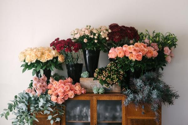An Organic Bridal Bouquet Recipe in Blush, Peach & Garnet