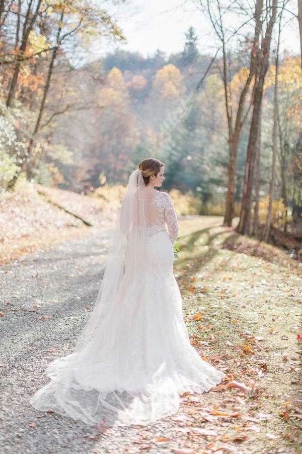 Choosing Your Wedding Photographer – Digital vs Film