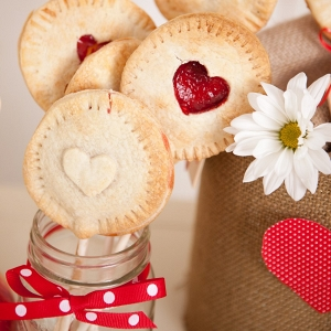 DIY Strawberry Pie Pops for Valentines