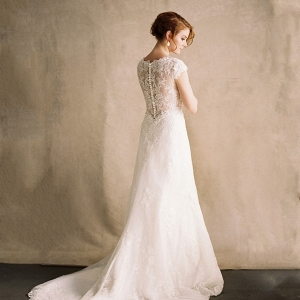 Romantic Portrait Back Lace Wedding Dress
