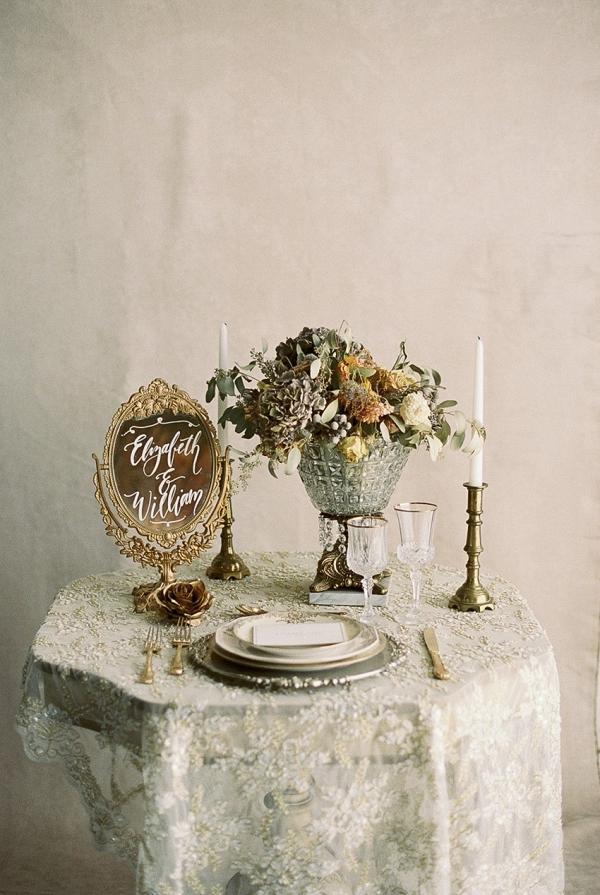 Romantic Gold Wedding Decor