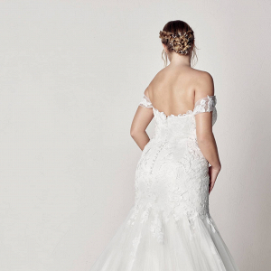 Sweetheart Off The Shoulder Mermaid Plus Size Wedding Dress