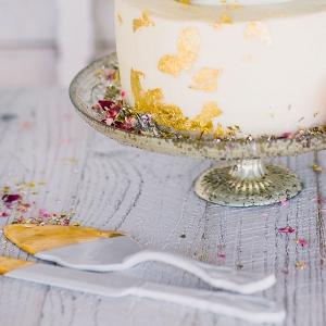 Gold-Dipped Porcelain Wedding Cake Serving Set