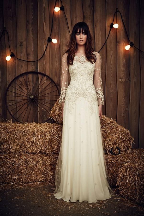 Elegant Long Sleeve Wedding Dress