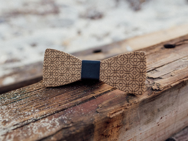'Lord Stark' Wooden Bow Tie