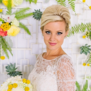 Mid-Century Inspired Bride with Vintage Hair & Makeup | Photography - Amanda Dumouchelle Photography