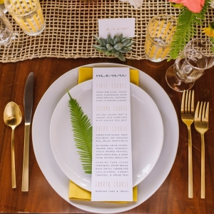Mid-Century Inspired Wedding Place Setting | Photography - Amanda Dumouchelle Photography