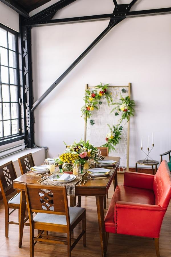 Mid-Century Inspired Wedding Tablescape | Photography - Amanda Dumouchelle Photography
