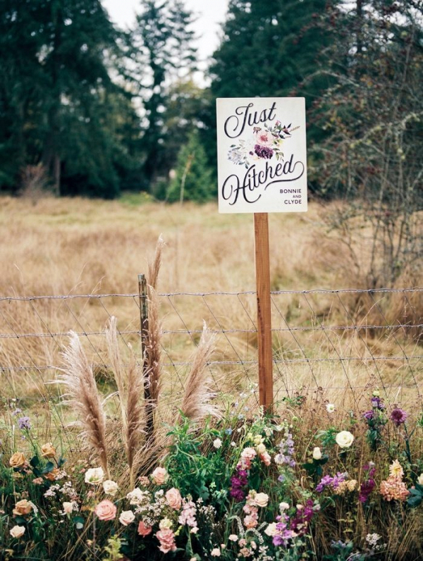 Just hitched wedding sign