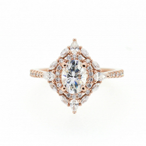 Oval Moissanite Engagement Ring