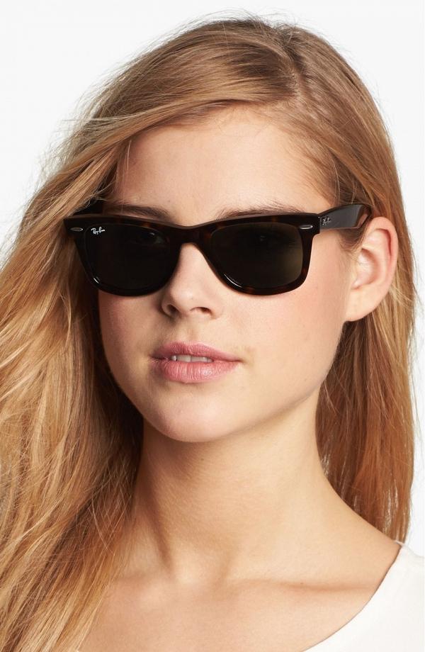 Ray-Ban 'Classic Wayfarer' Sunglasses in Tortoise