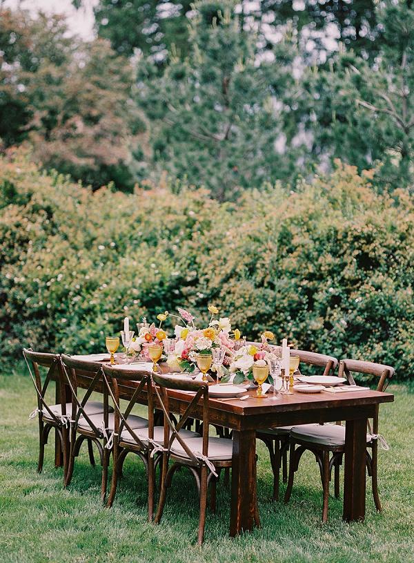 Romantic garden wedding table