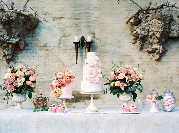 Romantic Floral Wedding Cakes