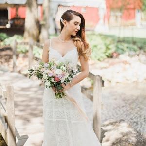 Romantic Rustic Vintage Bride